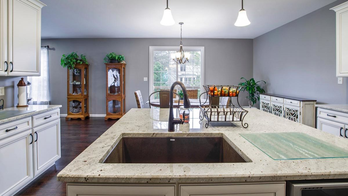 why-updating-countertops-in-a-phoenix-az-kitchen-remodel-is-important-if-youre-redoing-cabinets-throughout-the-house